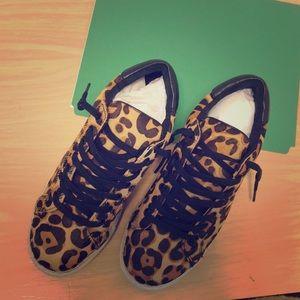 Peyton-R Leopard Sneakers by Steven size 8.0